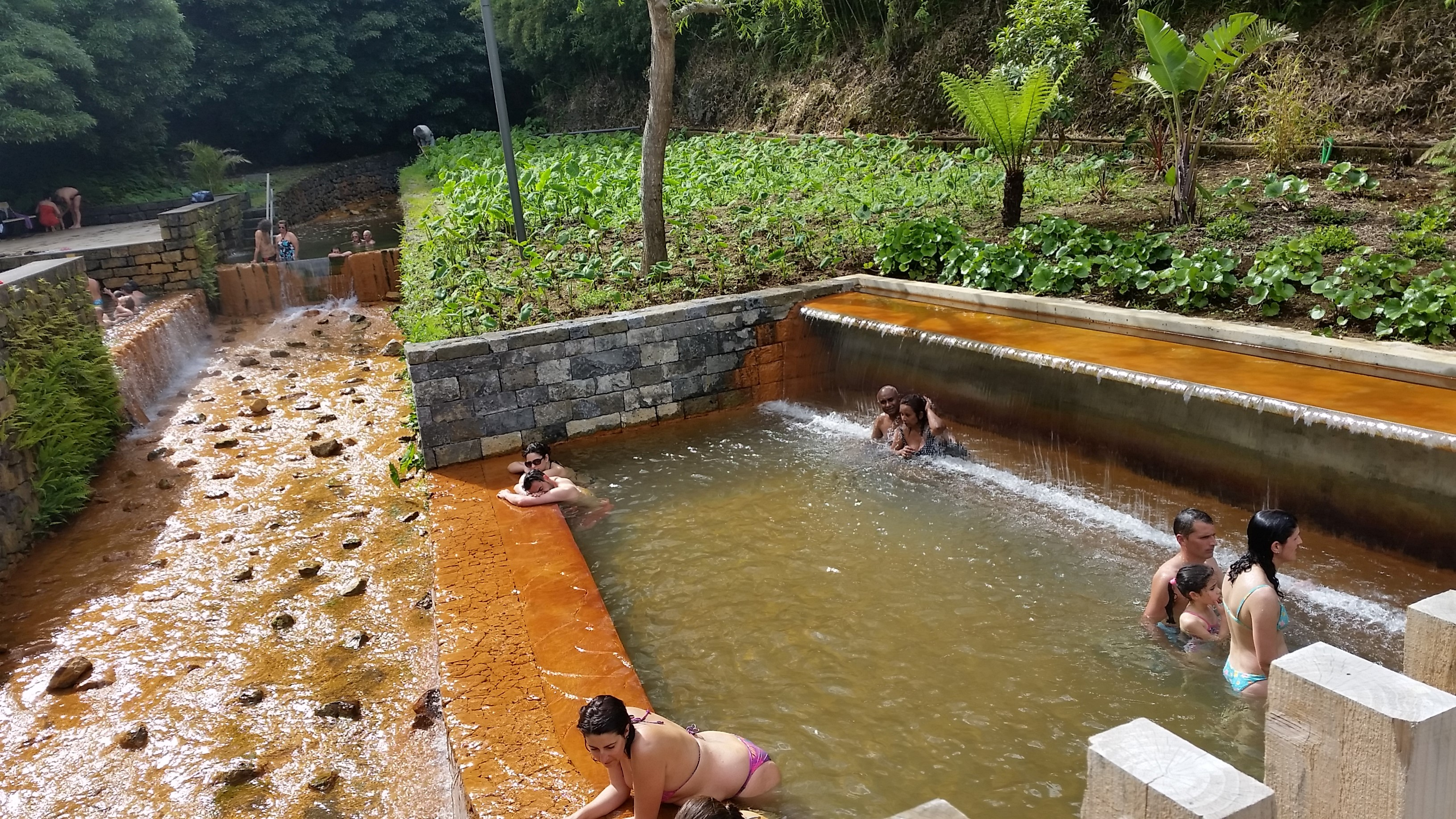 Poça da Dona Beija (hot thermal pools)